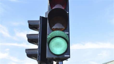 How to turn a traffic light green | Morning Bulletin