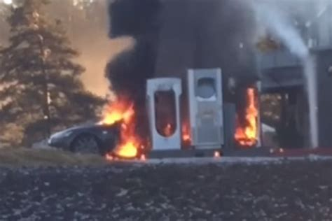 Tesla Model S catches fire while at charging station – Video | DPCcars
