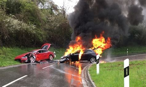 Tesla Model S Collision in Luxembourg Leaves ICE In Flames