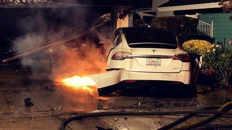 Tesla Model X Fire (Lake Forest, California) - YouTube