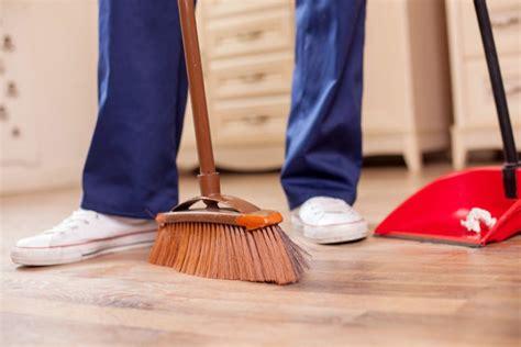 26 Different Types of Brooms for Sweeping Floors