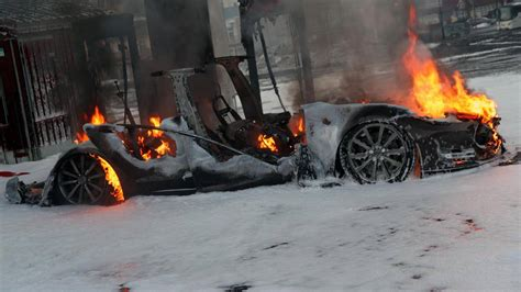 Model S catches fire in Norway at Supercharger, charging system seemingly at fault | The Long ...