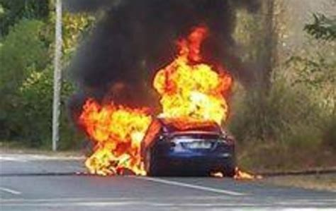 Tesla Model S catches on fire in France during test drive [Updated]