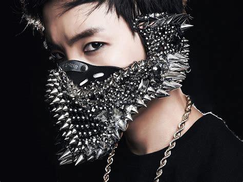 12 Shocking Face-masks Worn By K-Pop Idols