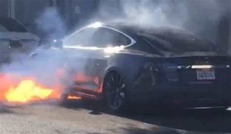 Tesla Model S catches fire in California, adding more flame to Tesla's troubles - AutoBuzz.my