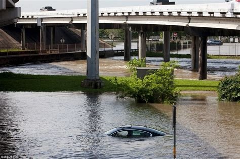 17 dead after flooding in Houston, Texas sweeps away vacation home ...