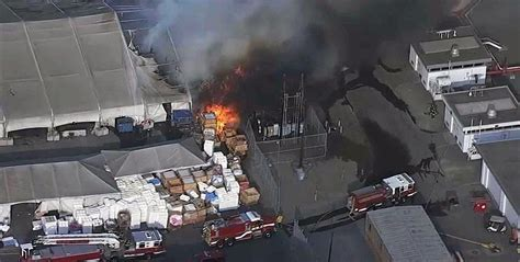 Tesla Factory structure caught on fire in Fremont [update: fire now extinguished] - Electrek
