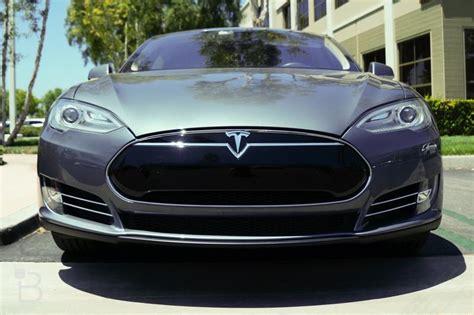 Tesla Model S randomly catches fire on Los Angeles street | TechnoBuffalo