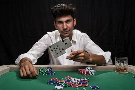 Вулкан Рояль казино: регистрация, бонусы и игровое портфолио