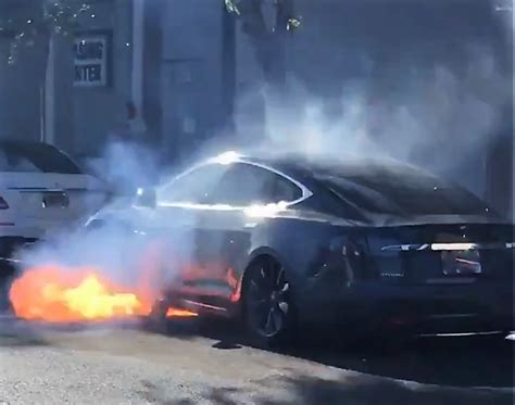 Tesla belonging to husband of US actor Mary McCormack catches fire in street | The Independent