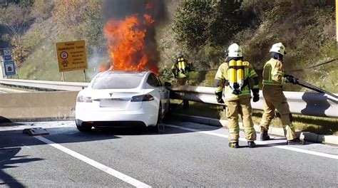Watch How 35 Firefighters Struggled To Tackle A Large Fire From A Burning Tesla | 9jaflaver