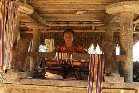 Gallery : Keunikan Rumah Adat Dusun Sade Lombok Tengah ...