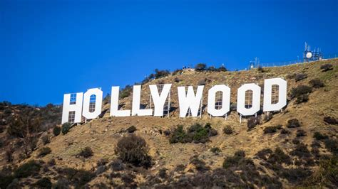 Vandalized Hollywood sign now reads 'Hollyweed' - NEWS 1130