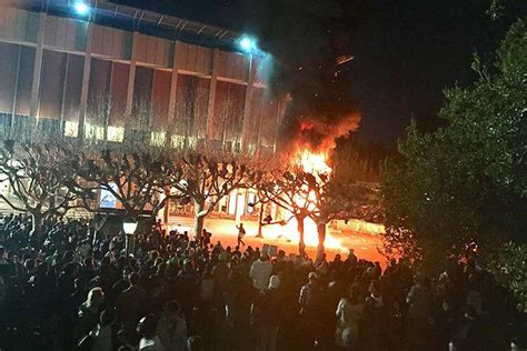 UC Berkeley: Antifa riots outside to prevent a talk taking place. There is NO moral ...