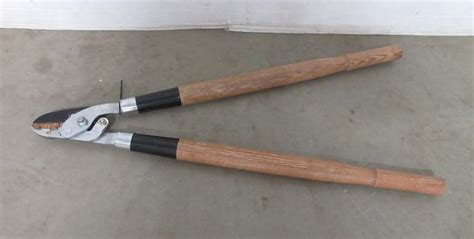 Albrecht Auctions | Craftsman Power Lever Lopping Shears ...