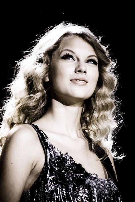 Fearless Tour 2009 Promotional Photos - Taylor Swift Photo ...