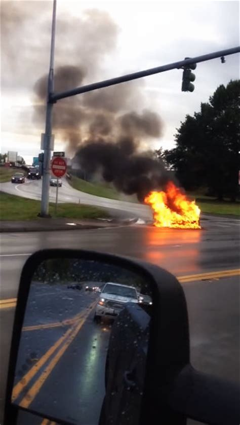 Tesla Model S catches on fire! - Clubhouse News