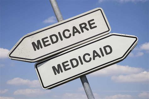 Medicare vs Medicaid (EVERYTHING YOU NEED TO KNOW)