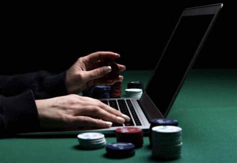 Получай бонусы, играя в казино Cat Casino