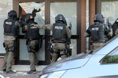 Groß-Razzia gegen Tschetschenen-Mafia! Polizei und SEK ...