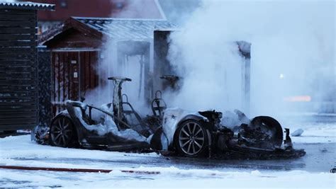 Tesla Model S catches fire at supercharger station in Norway | ExtremeTech
