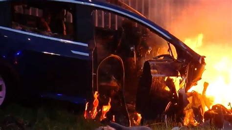 Tesla Model X Crashes, Catches Fire: Video