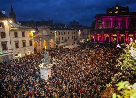 Italy's 'Sardines' movement threatens Salvini's dominance