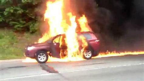 Cars on fire: Man lost his life in car fire; Tesla model S caught on fire - Compilation - YouTube