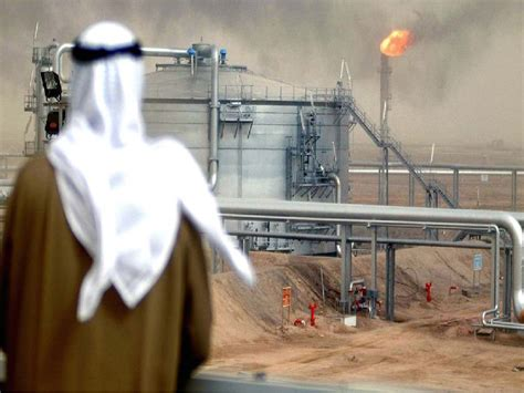 Saudi oil exports to U.S. plunge toward lowest level in 35 years…