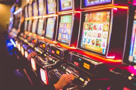 Если официальный сайт клуба не работает, то можно использовать рабочее зеркало Плей Фортуна казино