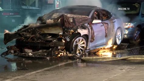 Tesla trains firefighters how to put out its battery fires | abc7news.com