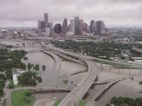 ... rain causes flash flooding in Houston -- Earth Changes -- Sott.net
