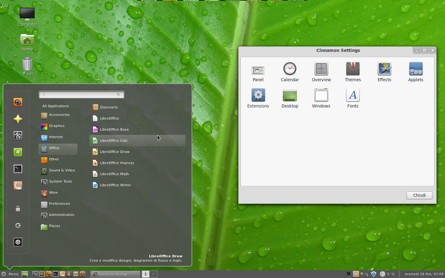 File:Linux Mint 12 with Cinnamon.png - Wikimedia Commons
