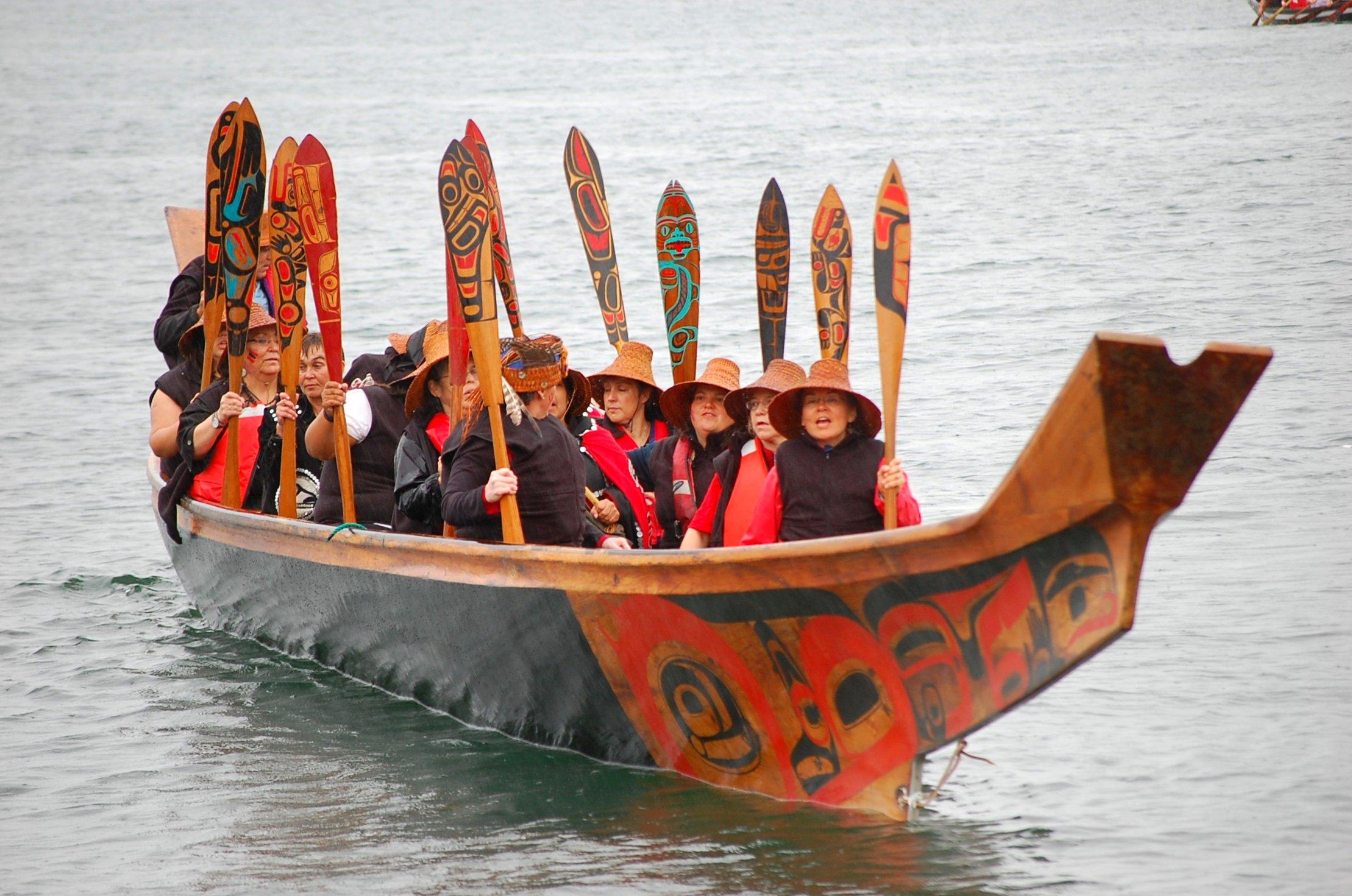 File:Haida canoe.jpg - Wikimedia Commons