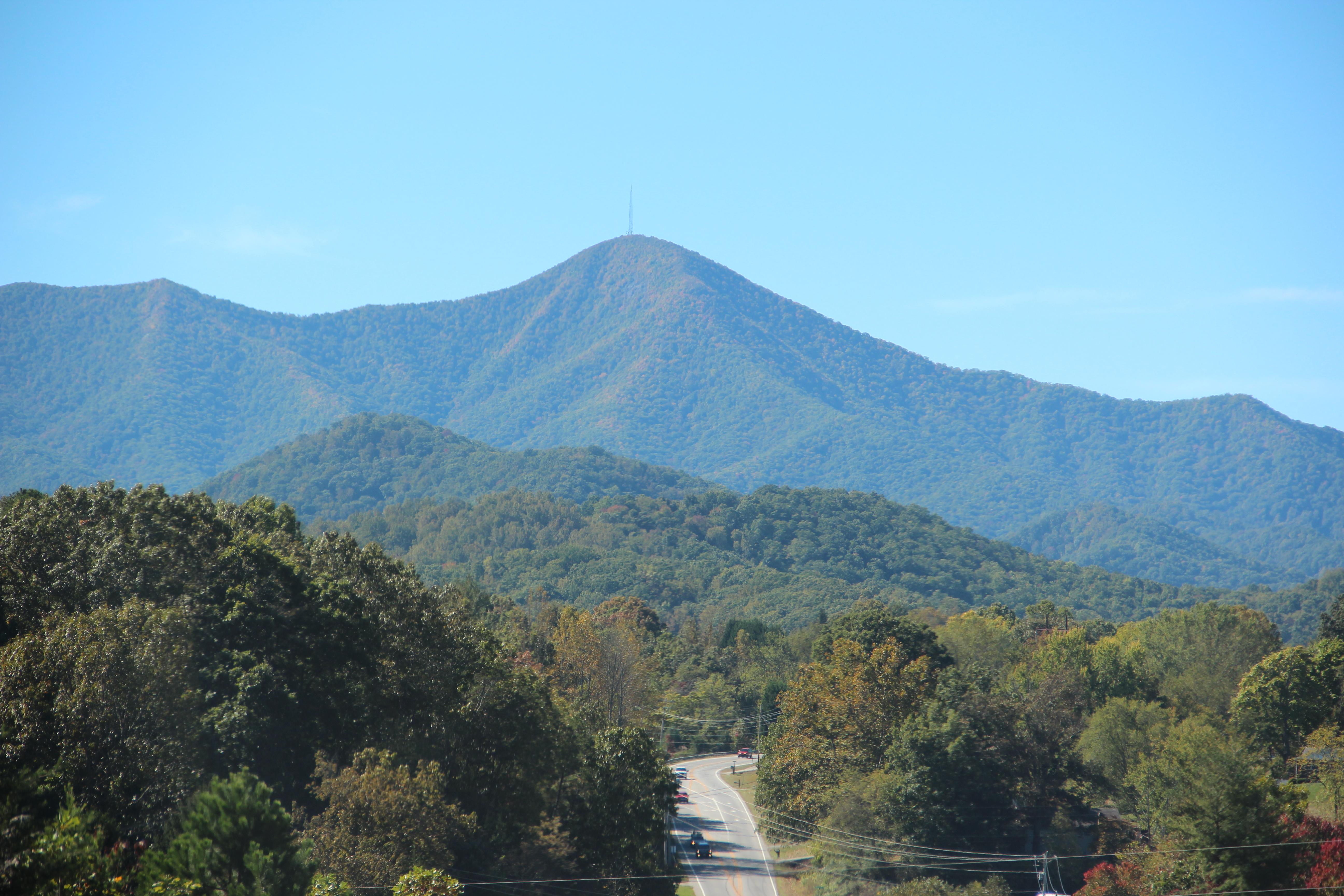 File:Mount Pisgah from NC 151, Oct 2016 1.jpg - Wikimedia ...