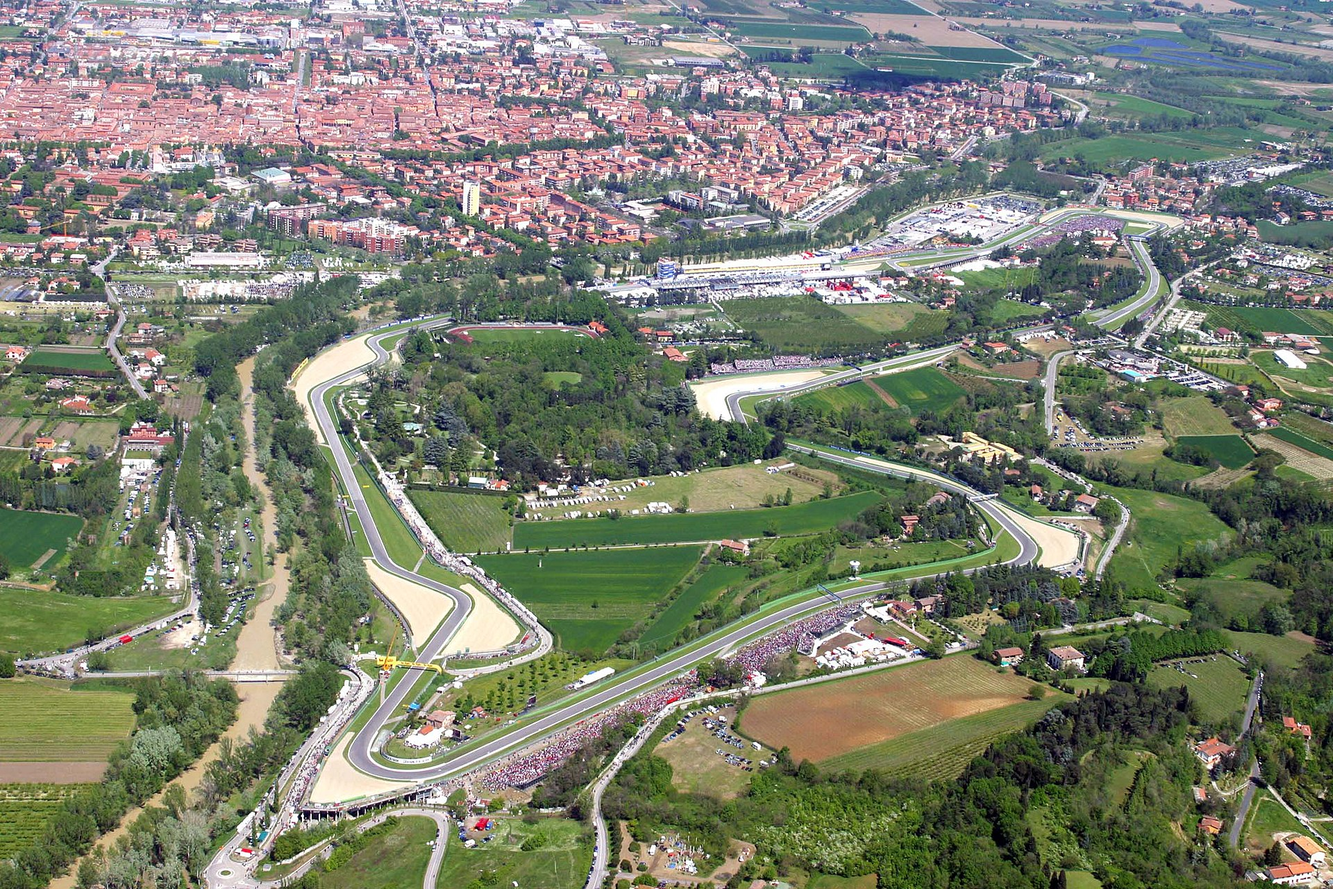 Autodromo Enzo e Dino Ferrari - Wikipedia