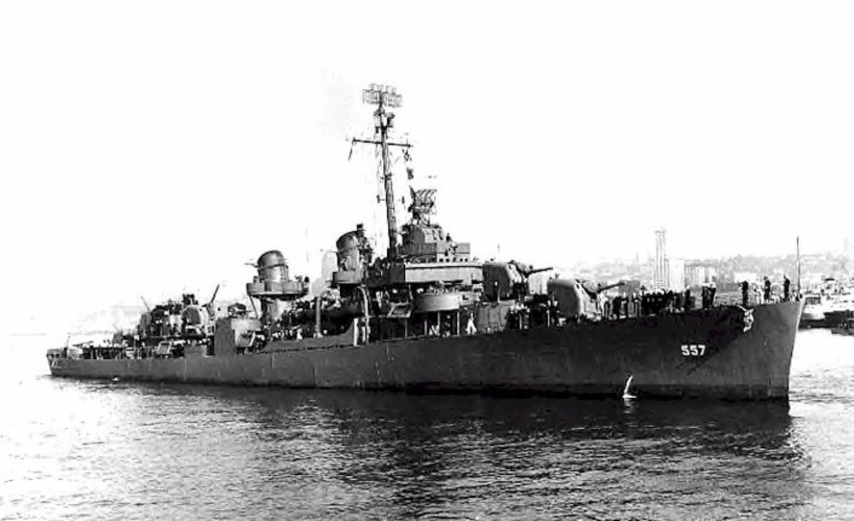 World War 2 History: Destroyer USS Johnston Attacks ...