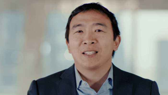 CNN signs Andrew Yang as a political commentator…