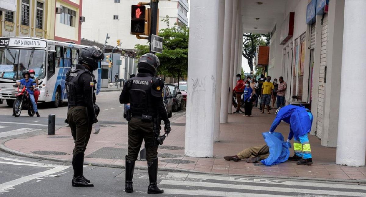 Muertos en las calles: la crisis del Coronavirus en ...