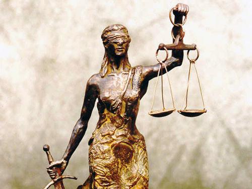 Persbericht 21 maart 2017: Vrouwe Justitia hoort blind te ...