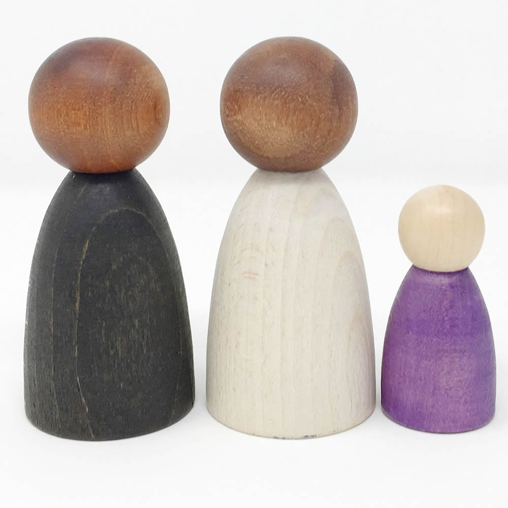 Grapat 2 Adult Nins Dark Wooden Peg Dolls
