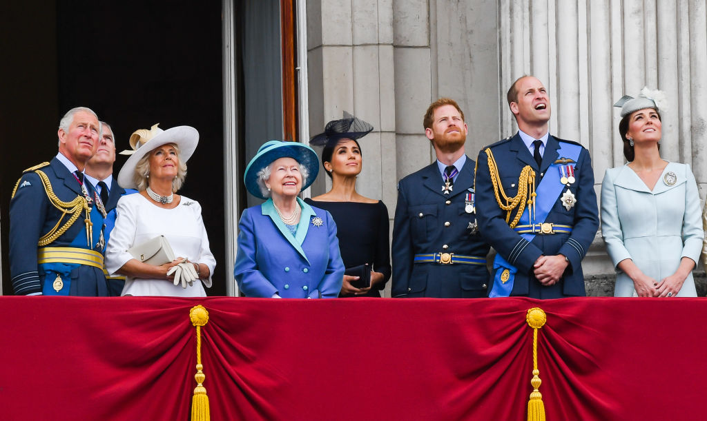 What Would Happen to Queen Elizabeth and the Royal Family ...