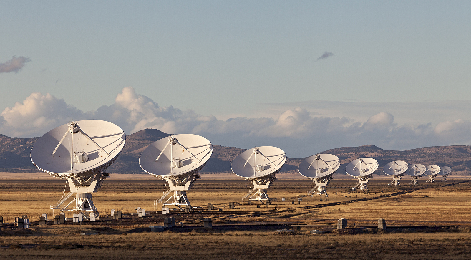 Very Large Array Radio Telescope - Electronic Manufacturing Services | Carlton Industries