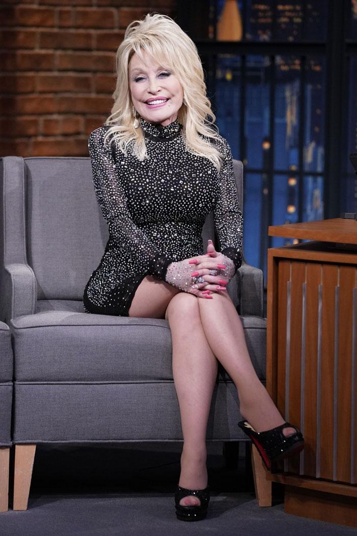 Dolly Parton 'Splurging' On $2 Million Plastic Surgery ...