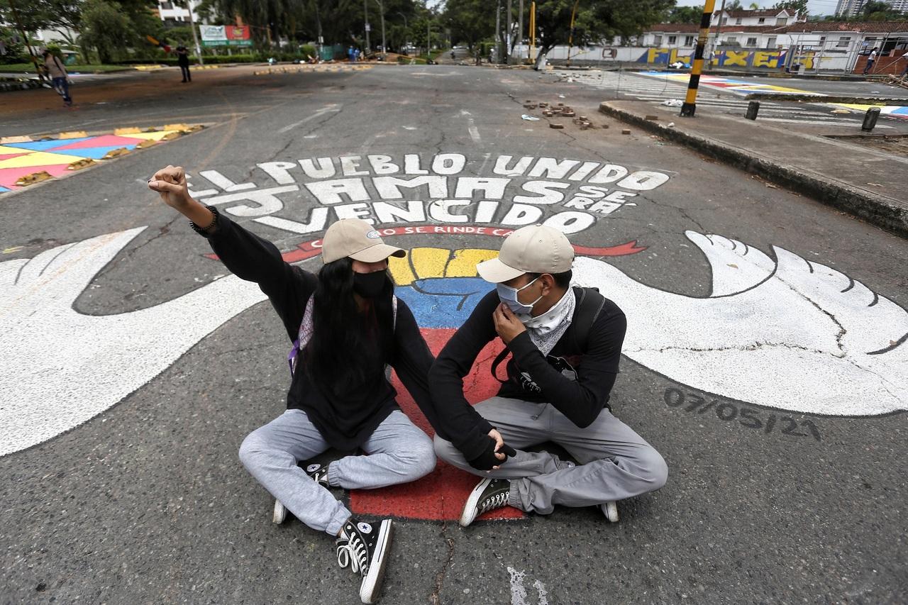Levantan bloqueo en Colombia