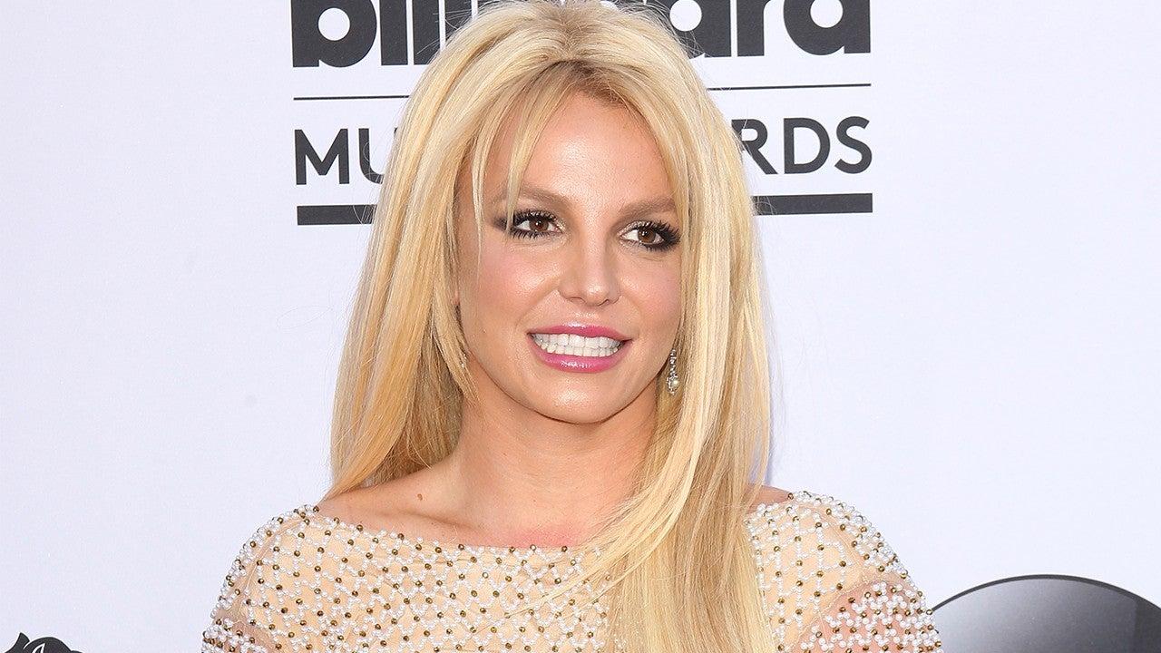Britney Spears Does Yoga in Bikini a Week After Leaving ...