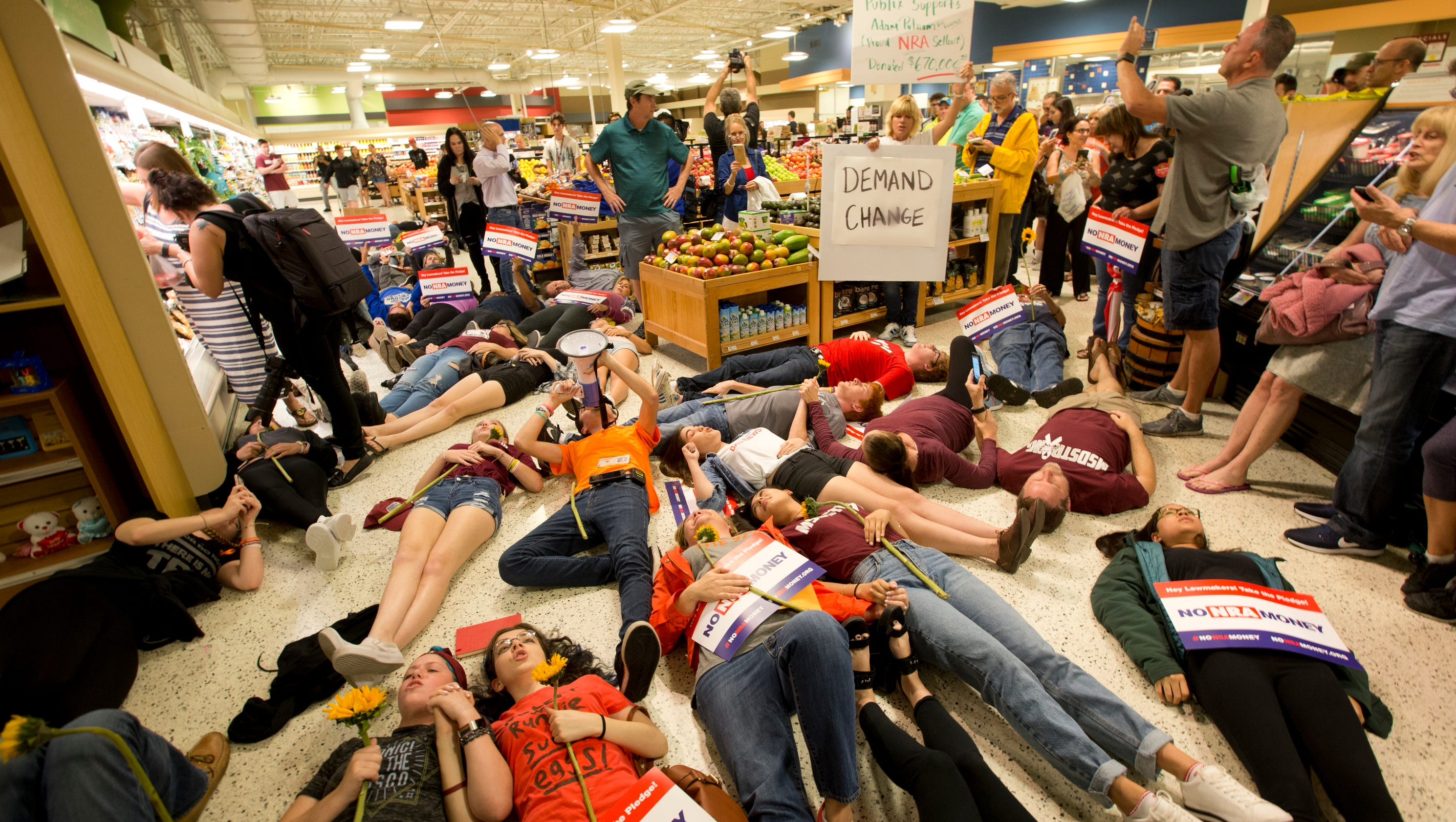 "Photos: Parkland students stage ""die-in"" in Publix"