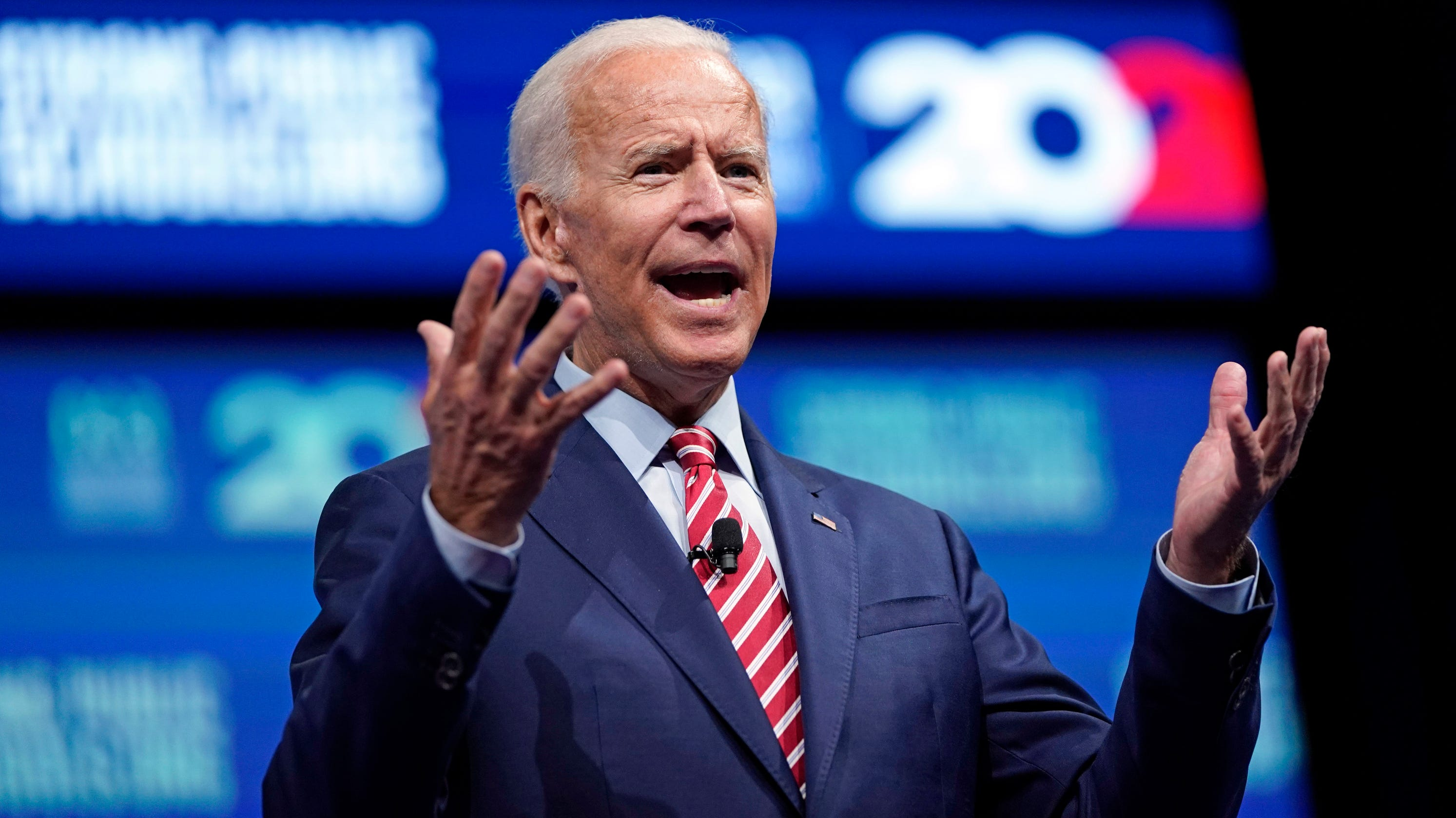 Biden apologizes for comments about segregationists