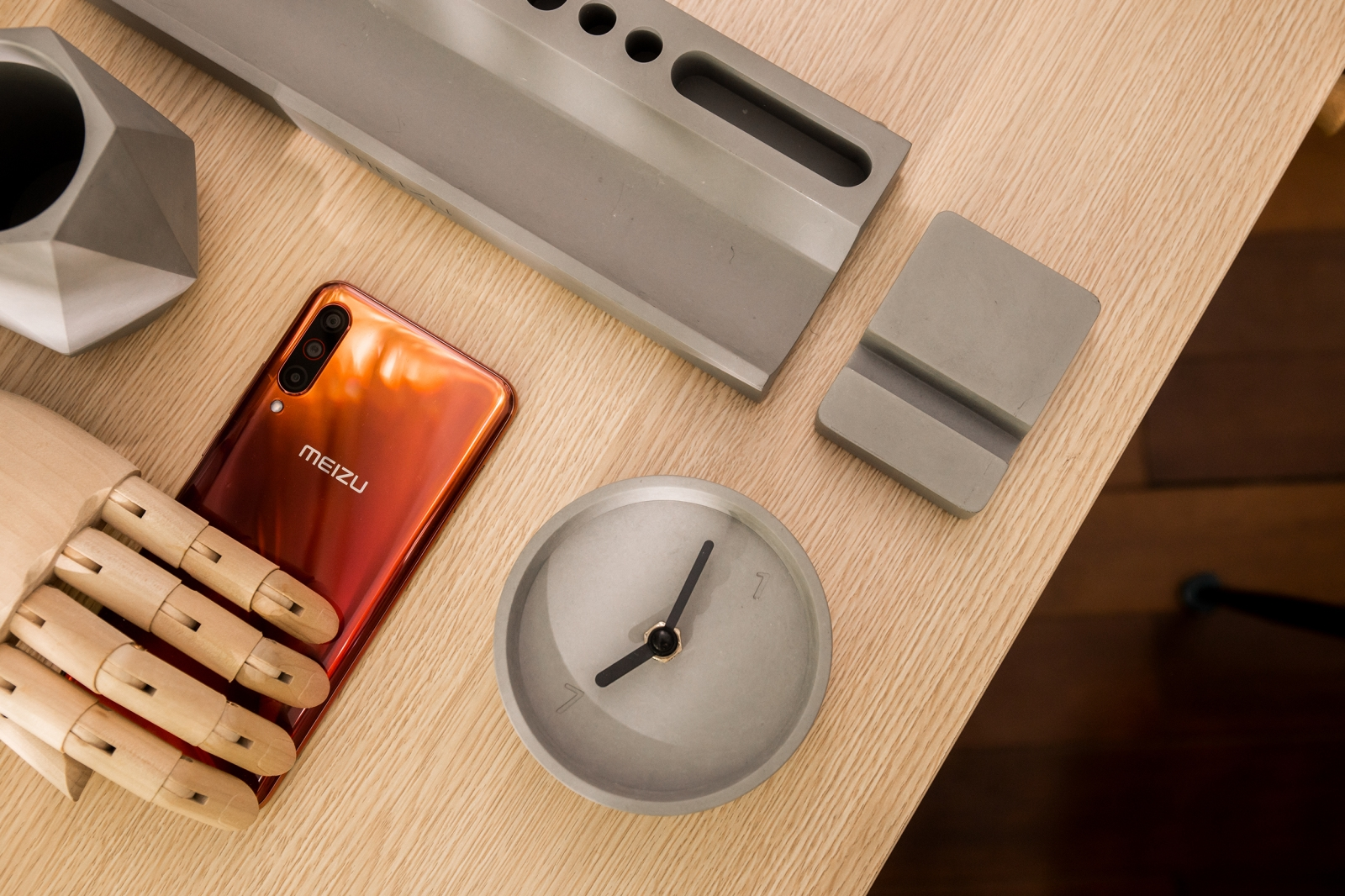 Meizu's 2020 New Year Gift Box actually teases the Meizu ...
