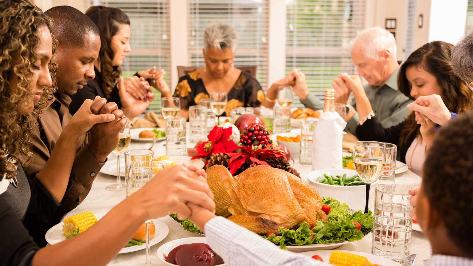 Thanksgiving Mealtime Grace | Guideposts